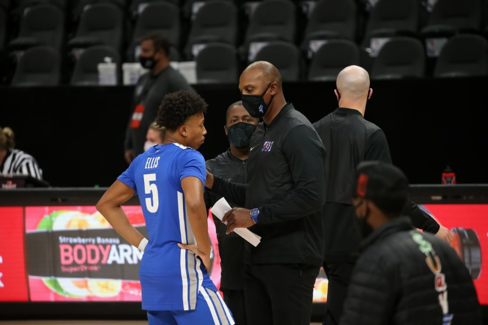 <strong>Coach Penny Hardaway talks to guard Boogie Ellis (5) as the Tigers face Auburn Saturday, Dec. 12 at the Holiday Hoopsgiving preseason game in Atlanta.</strong> (Courtesy Michael Wade)