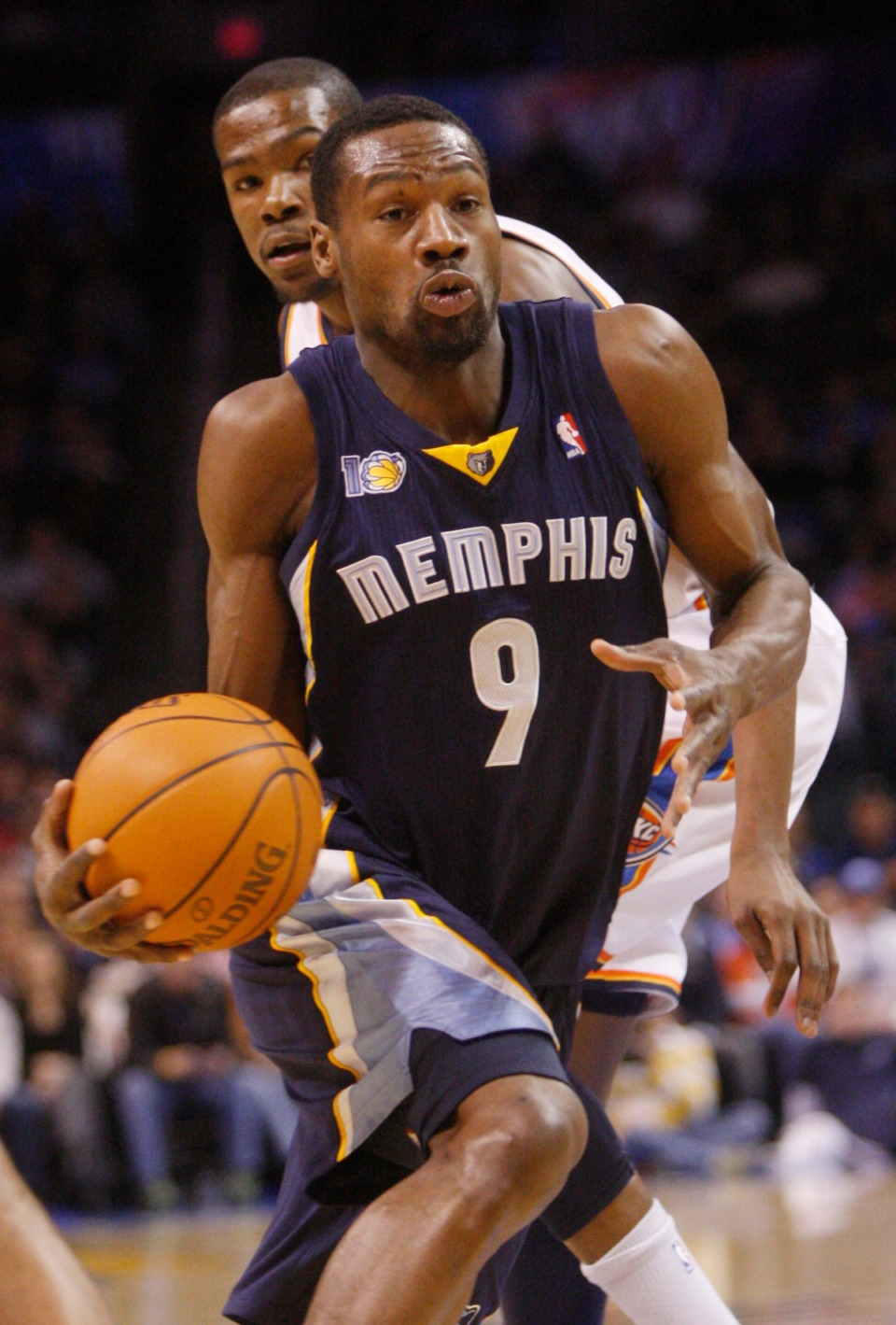 <strong>Memphis Grizzlies guard Tony Allen in an NBA basketball game in Oklahoma City, Feb. 8, 2011.</strong> (AP Photo/Sue Ogrocki file)