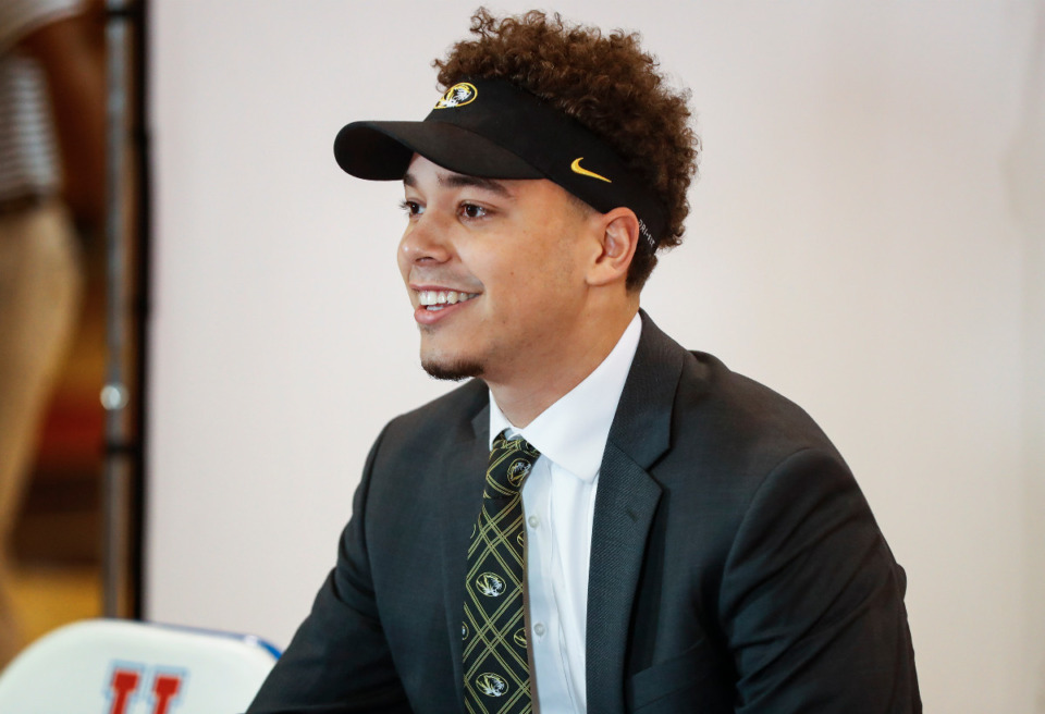 <strong>MUS football player Gavin McKay signs his letter of intent with Missouri on Wednesday, Dec. 16, 2020.</strong> (Mark Weber/The Daily Memphian)