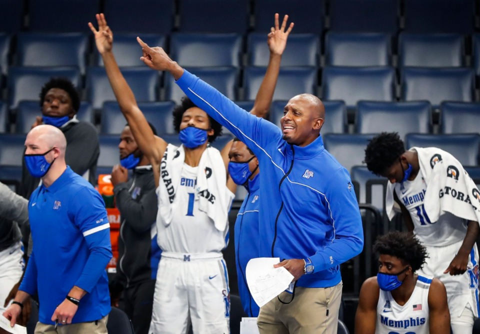 <strong>Memphis coach Penny Hardaway directs his players during action against Tulsa on Monday, Dec. 21, at FedExForum. Memphis lost, 56-49.</strong> (Mark Weber/Daily Memphian)