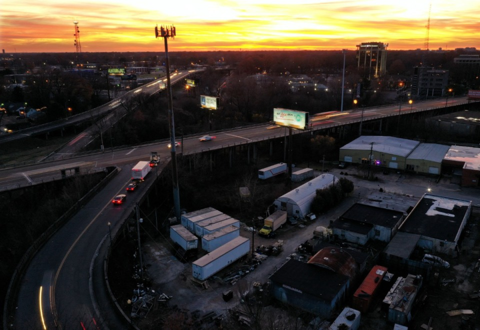 <strong>A plan to replace the Poplar Viaduct would remove Scott Street access to Poplar Avenue.</strong> (Patrick Lantrip/Daily Memphian)