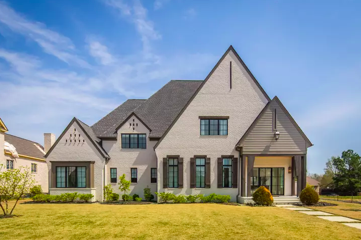 <strong>&ldquo;Worldly Gray Manor&rdquo; is a possible design for homes at Piper&rsquo;s Grove. Seven homes are planned at Cordes and Dogwood Road.&nbsp;</strong>(<em>Courtesy of David Clark Construction</em>)