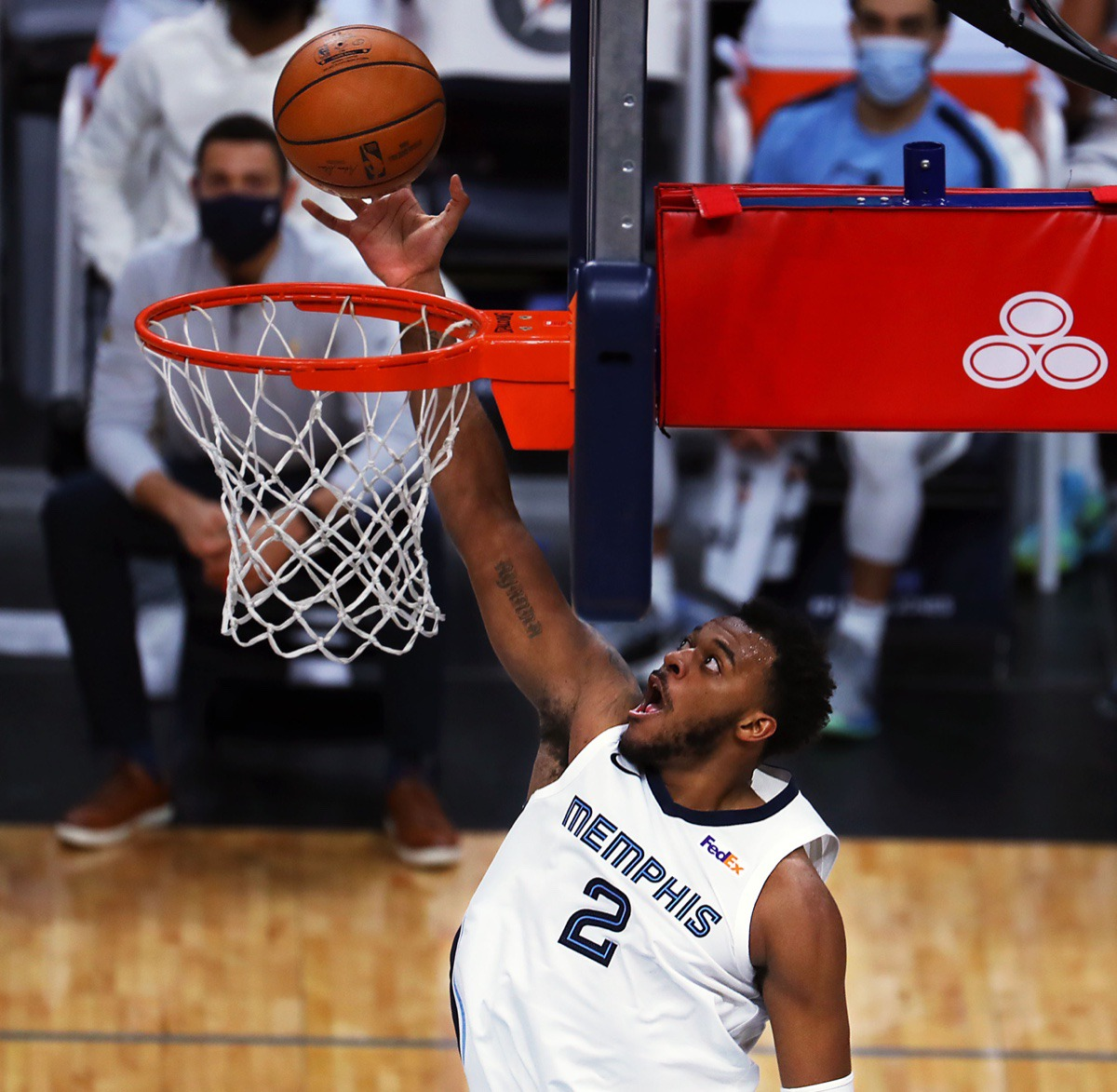 <strong>Memphis Grizzlies forward Xavier Tillman Sr. (2) goes up for a layup on Jan. 7, 2021, against the Cleveland Cavaliers at FedExForum.</strong> (Patrick Lantrip/Daily Memphain)