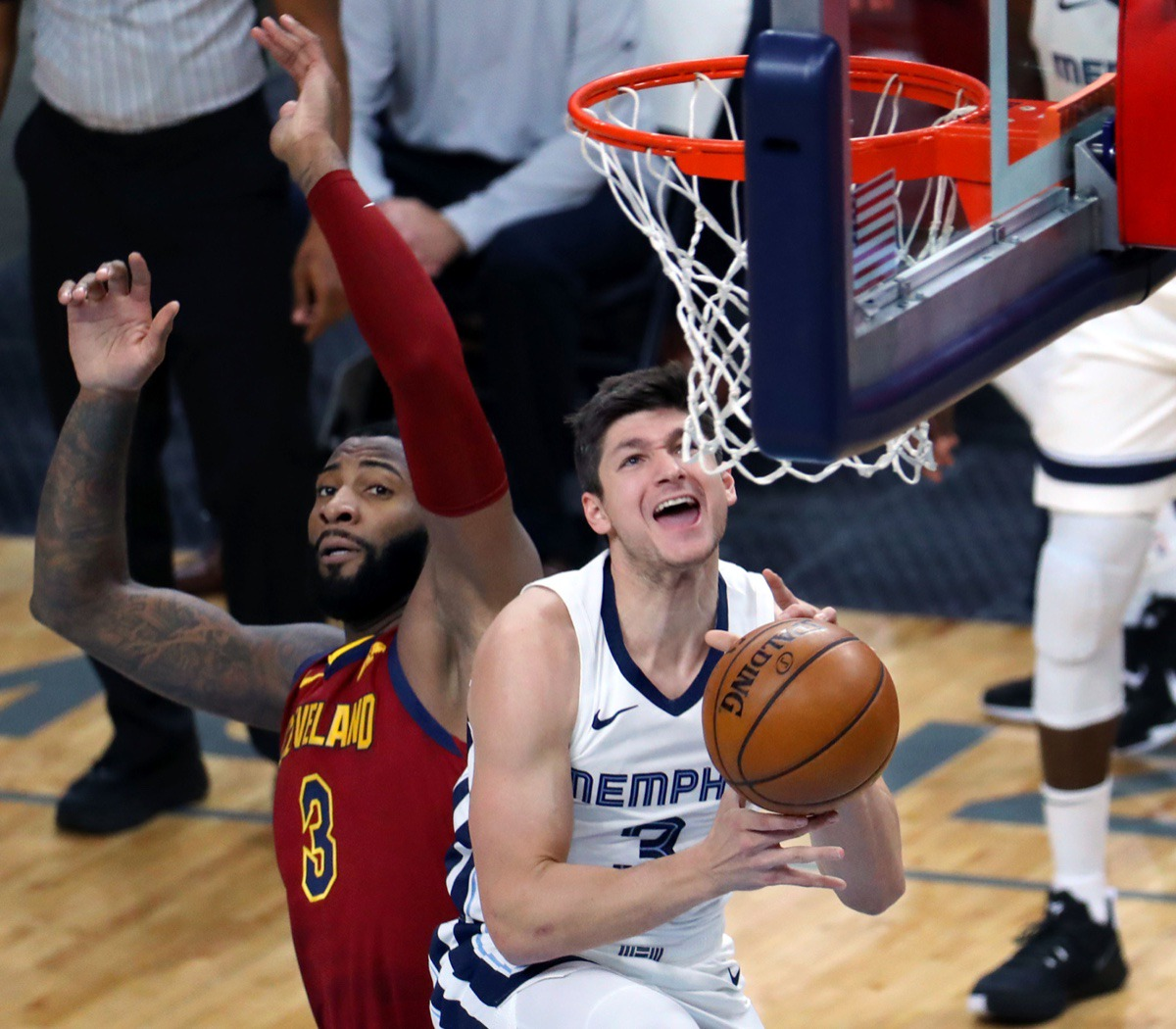<strong>Guard Grayson Allen (3) drives for a layup Thursday against Cleveland at the FedExForum.</strong> (Patrick Lantrip/Daily Memphain)