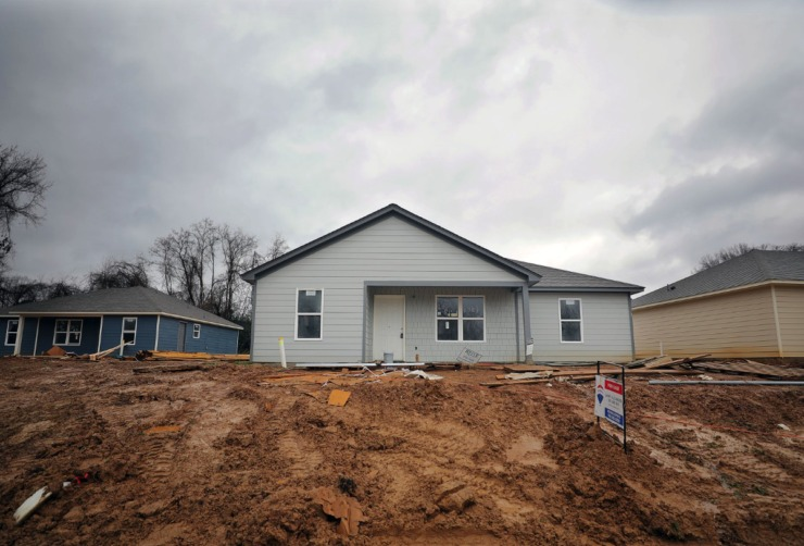 A home is under construction on Lake Park Cove in Frayser (in a Feb. 4, 2020 file photo). Through November, 2020, three new houses sold in Frayser, compared to one new home in 2019. (Patrick Lantrip/Daily Memphian)