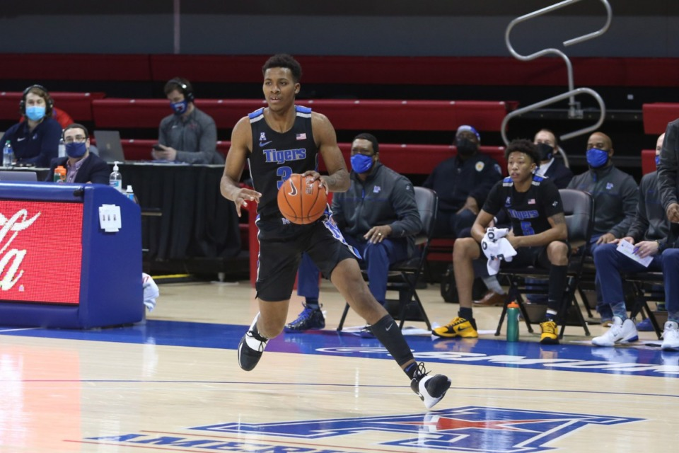 <strong>Landers Nolley II brings the ball upcourt against SMU in Dallas on Jan. 28, 2021.</strong> (Courtesy University of Memphis)