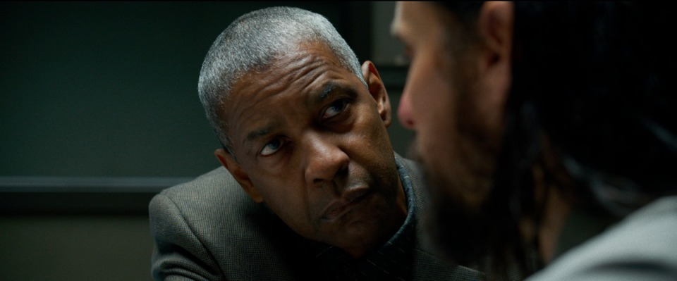"""<strong>This image released by Warner Bros. Pictures shows Denzel Washington and Jared Leto in a scene from """"The Little Things.""""</strong> (Warner Bros. Pictures via AP)"""