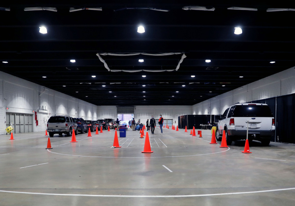 <strong>Very few cars were in line at the Shelby County Health Department's COVID-19 vaccination site at the Pipkin Building Feb. 2, 2021.</strong> (Patrick Lantrip/Daily Memphian)