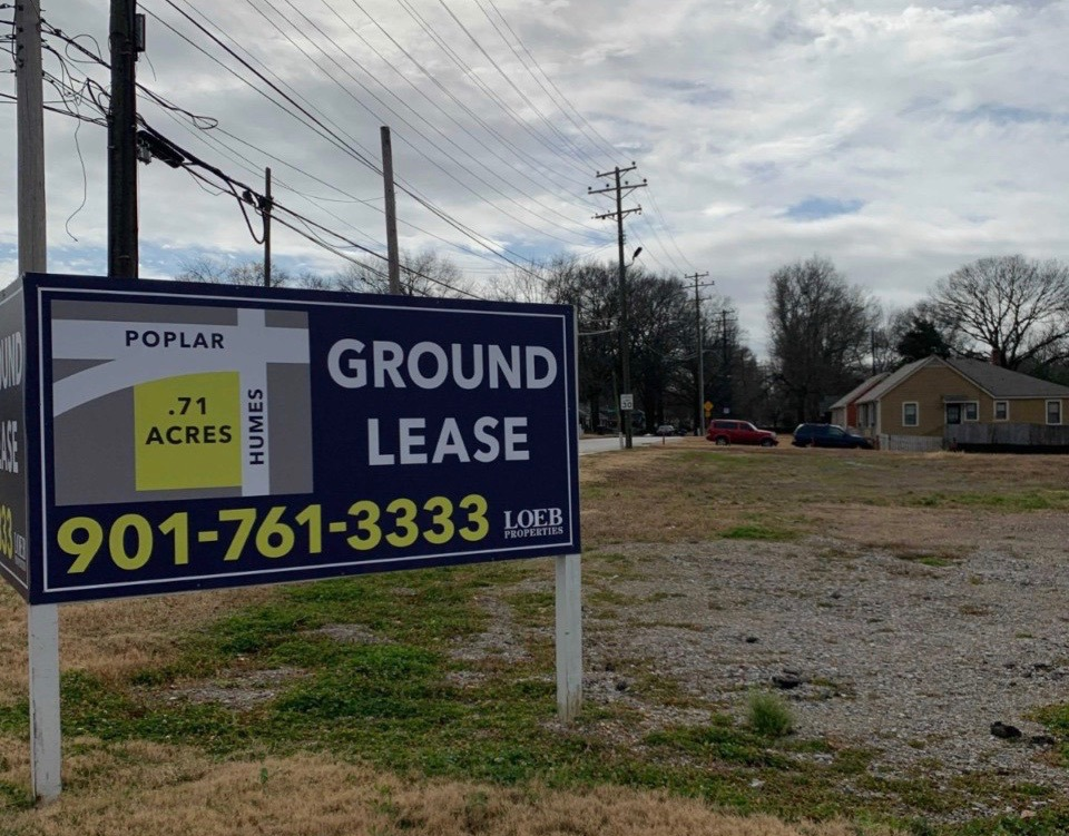 <strong>A now-empty lot at the southwest corner of Poplar and Humes. The lot was purchased by&nbsp;Gill Properties on Wednesday, Feb. 3.&nbsp;</strong>(Elle Perry/Daily Memphian)