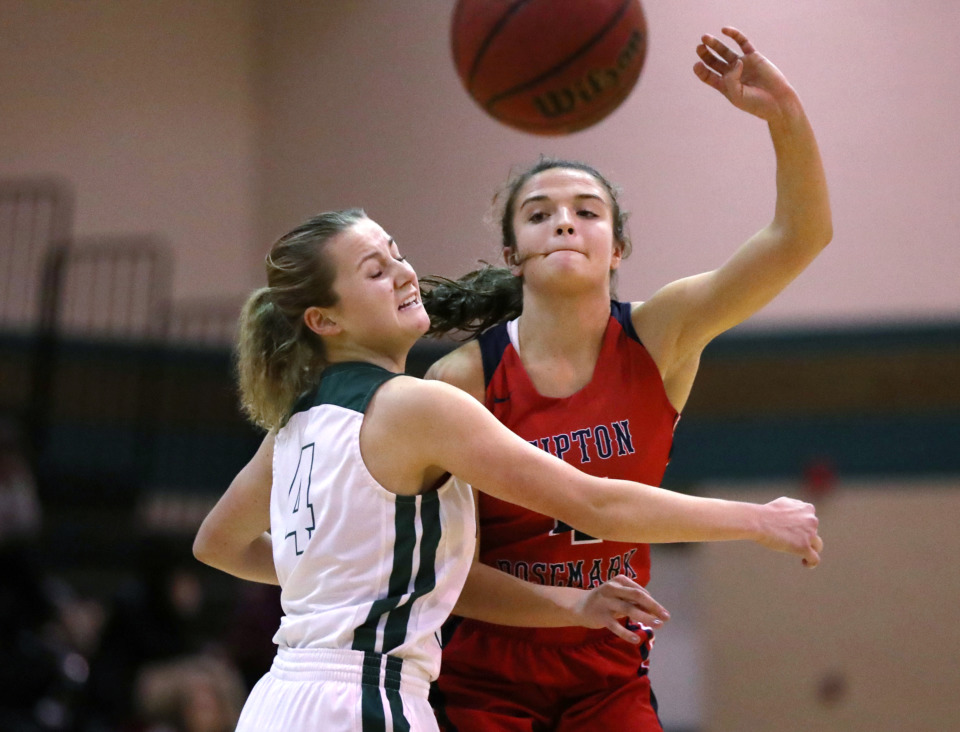 <strong>Tipton-Rosemark Academy guard Ryleigh Bowers (4) throws the ball to a teammate during a game against FACS on Tuesday, Jan. 8, 2019.</strong> (Houston Cofield/Daily Memphian)