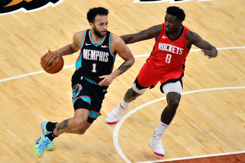 <strong>Memphis Grizzlies forward Kyle Anderson (1) drives against Houston Rockets forward Jae'Sean Tate (8) on Feb. 4.</strong> (Brandon Dill/AP)