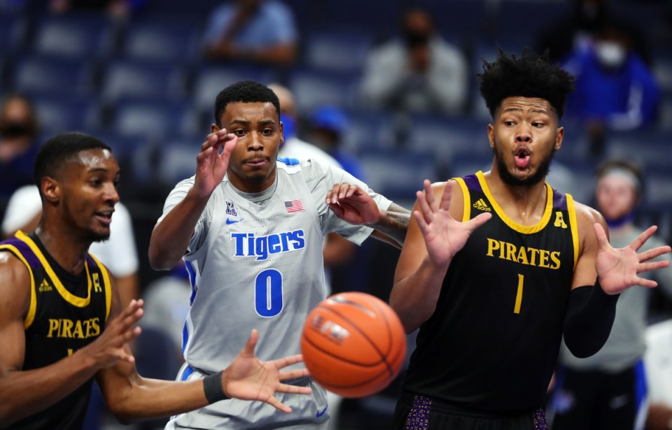 <strong>Memphis Tigers forward D.J. Jeffries (0) fights for a rebound during a Feb. 6, 2021 game against ECU at the FedExForum.</strong> (Patrick Lantrip/Daily Memphian)