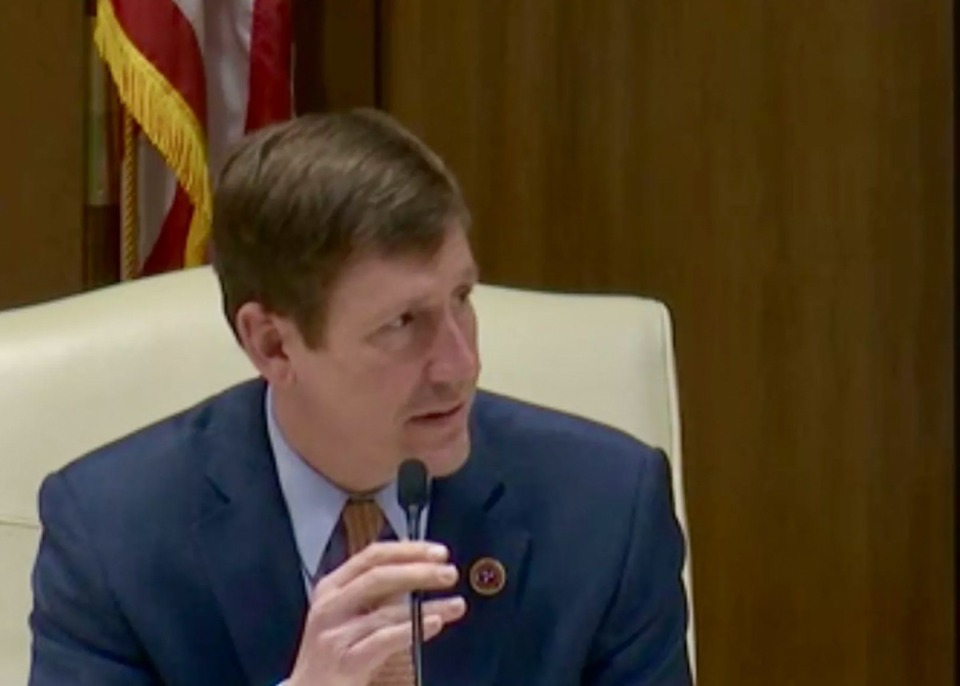 <strong>Sen. Brian Kelsey introduces his school reopening legislation during a Senate Education Committee meeting on Feb. 10, 2021 in Nashville.</strong> (Marta W. Aldrich/Chalkbeat)