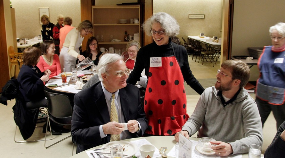 <strong>Hostess Eddie Thomas visits with patrons Lance Minor, left, and Frazer Gieselmann at the Calvary Waffle Shop in 2011.</strong> (Lance Murphey/Daily Memphian file)