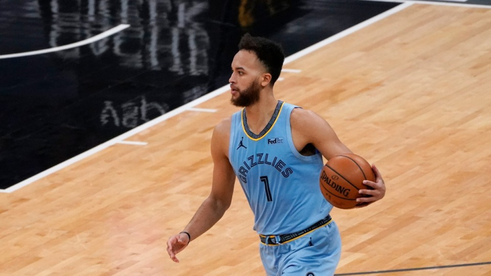 <strong>Memphis Grizzlies forward Kyle Anderson dribbles down court during the second half of an NBA basketball game against the Sacramento Kings in Sacramento, California, Feb.14, 2021. The Grizzlies won 124-110.</strong> (AP Photo/Rich Pedroncelli)