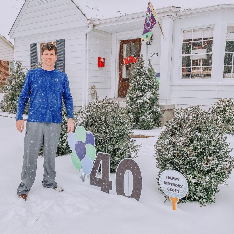 <strong>Celebrating Scott Ellis&rsquo; 40th birthday during the &ldquo;snowpocalypse.&rdquo;&nbsp;</strong>(Submitted by&nbsp;@lisaherosellis)