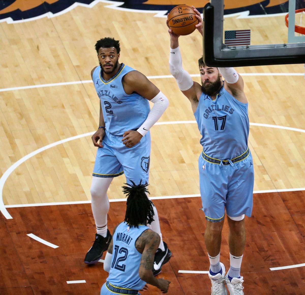<strong>Memphis Grizzlies center Jonas Valanciunas (17) grabs a rebound during a Feb. 20, 2021 game at the FedExForum.</strong> (Patrick Lantrip/Daily Memphian)