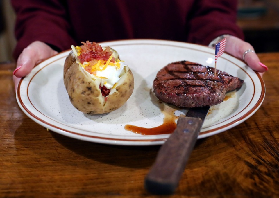 <strong>A signature steak at Marshall Steakhouse presented on Feb. 25, 2021.</strong> (Patrick Lantrip/Daily Mempian)