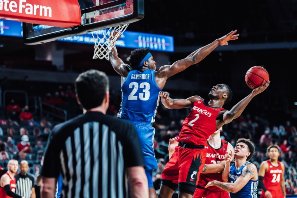 <strong>&ldquo;Malcolm (Dandridge, 23) is like our most complete big with defense, offense, rebounding, blocked shots and all that,&rdquo; said Coach Penny Hardaway.&nbsp;&ldquo;And he showed up today.&rdquo;&nbsp;</strong>(Credit: Cincinnati Athletics)