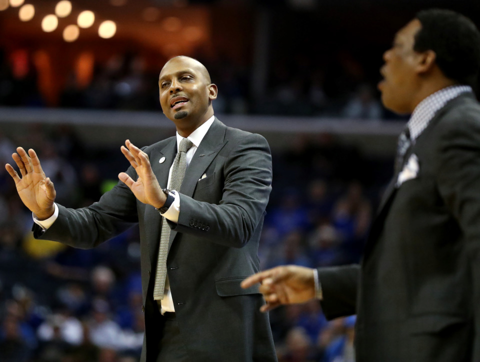 <strong>University of Memphis Tigers basketball coach Penny Hardaway motions for his team to slow down on offense during a game against East Carolina University on Thursday, Jan. 10.</strong>&nbsp;<strong>On Sunday, Jan. 13, Hardaway and his Tigers got their first road win with an 83-79 victory over the Tulane Green Wave in New Orleans.</strong> (Houston Cofield/Daily Memphian)