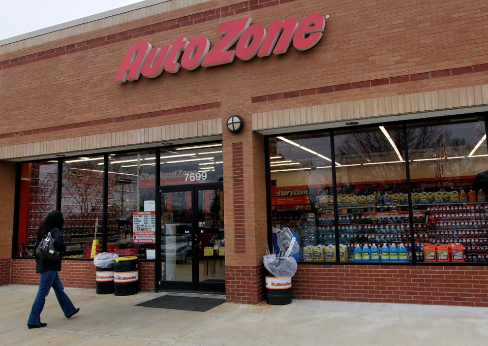 "<span style=""&lsquo;font-size: 9.0pt;""><strong>Memphis-based AutoZone reported $2.9 billion in sales for the fiscal quarter that ended Feb. 13, compared to $2.5 billion for the same period the year before.</strong> (Daily Memphian file)</span>"