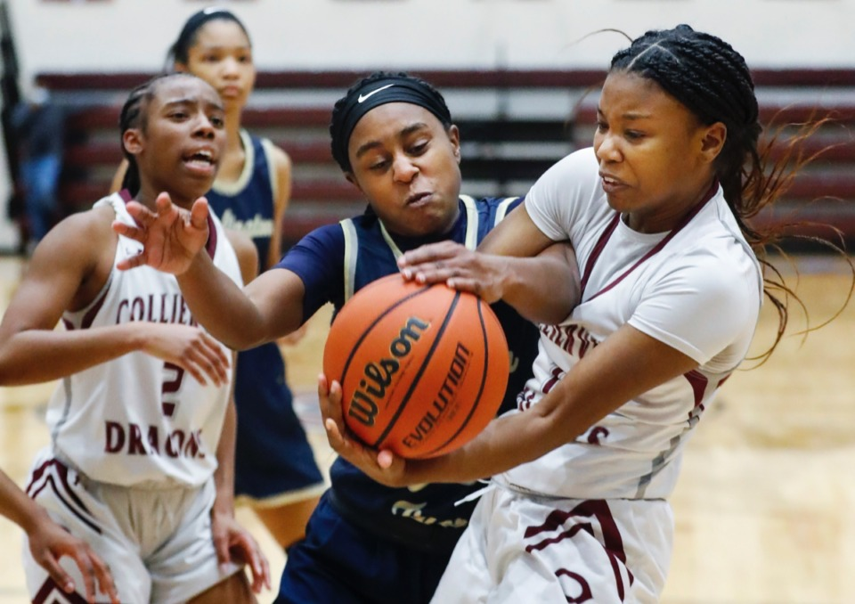 <strong>Collierville guard Mallory Taylor (right) battles Arlington&rsquo;s Carmen Taylor (left) on Monday, March 8, 2021.</strong> (Mark Weber/The Daily Memphian)