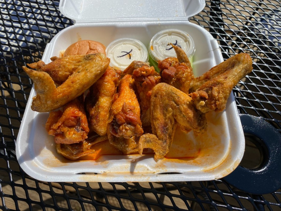 <strong>901 Wings&rsquo; Germantown Parkway location offers these takeout dry seasoned and honey hot wings.&nbsp;</strong>&nbsp;(Chris Herrington/Daily Memphian.)