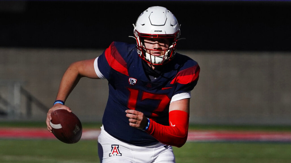 <strong>Arizona transfer quarterback Grant Gunnell&nbsp;is already drawing comparisons to outgoing Memphis quarterback Brady White thanks to Gunnell&rsquo;s efforts off the field.</strong> (AP Photo/Rick Scuteri)