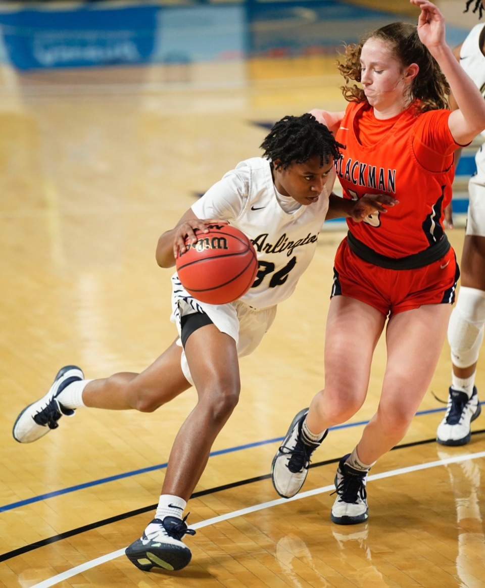 <strong>Arlington&rsquo;s&nbsp;Aaiyanna Dunbar (34) drives the lane against Blackman&nbsp;on March 11 in Murfreesboro, Tennessee.&nbsp;</strong>(Larry McCormack/Special to The Daily Memphian.)