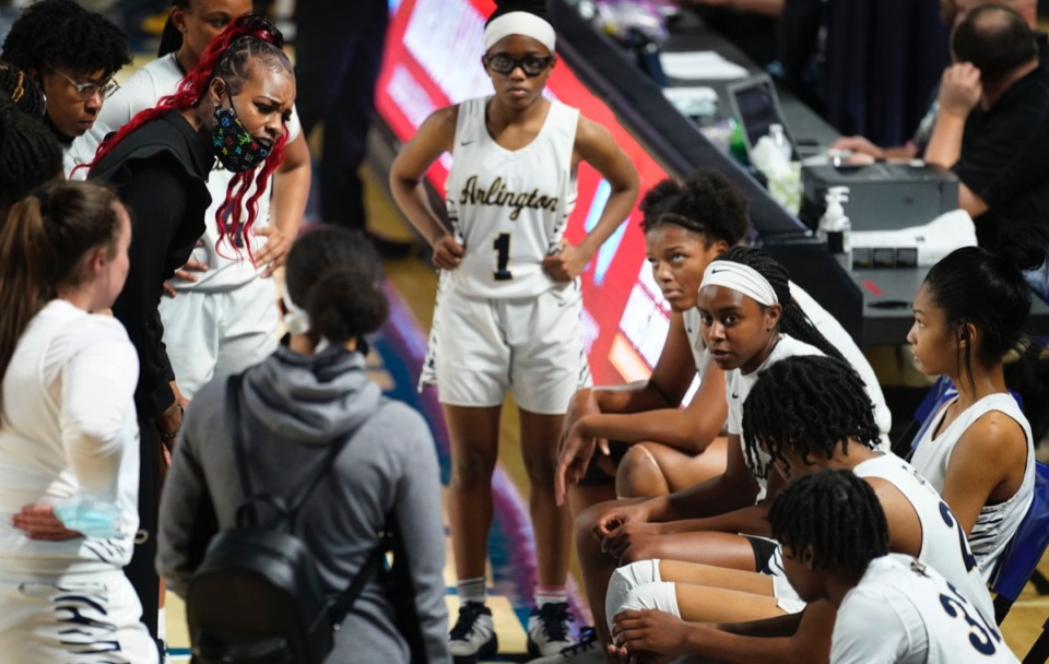 <strong>Arlington&rsquo;s head coach Ashley Shields advises her team as Arlington plays Blackman&nbsp;on March 11 in Murfreesboro, Tennessee.&nbsp;</strong>(Larry McCormack/Special to The Daily Memphian.)