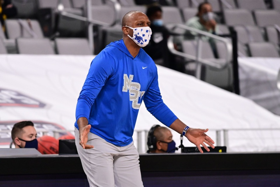 <strong>U of M Tigers head coach Penny Hardaway gestures as the University of Memphis Tigers play the University of Central Florida on March 12, 2021.</strong> (Courtesy American Athletic Conference/Ben Solomon)