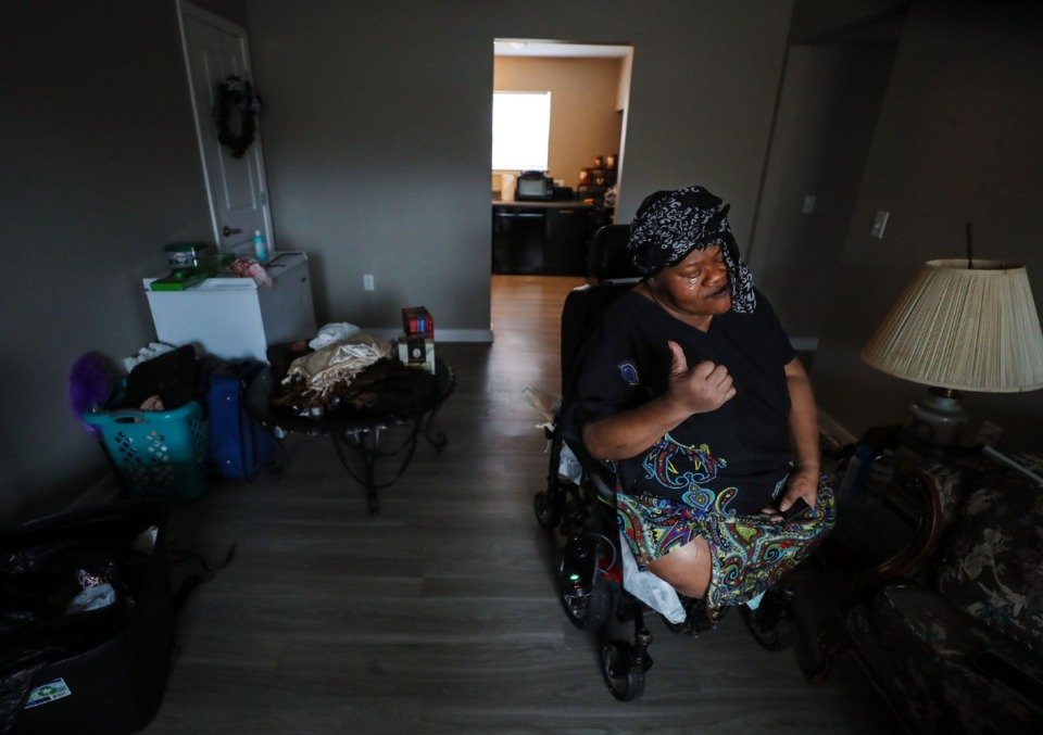<strong>Larchena Jordan talks about how she ended up in her apartment at the Renaissance at Steele complex in Frayser on Thursday, March 18.</strong> (Patrick Lantrip/Daily Memphian)