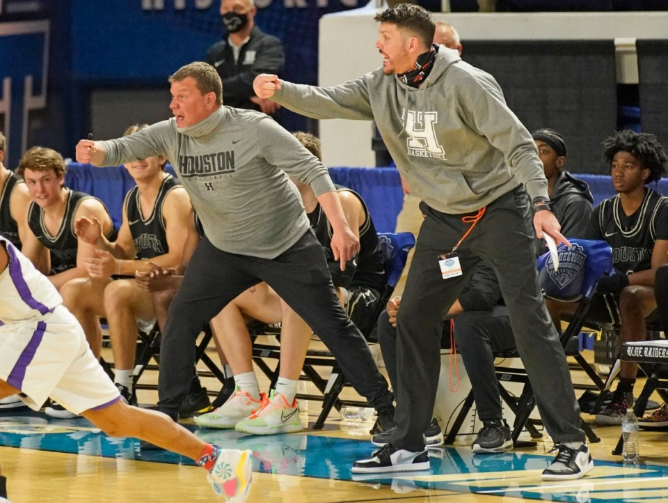 <strong>Houston head Ccach Michael Miller shouts instructions to his team as Houston plays Clarksville</strong> <strong>at the Division I Class AAA quarterfinal game on March 18 in Murfreesboro, Tennessee.</strong> (Larry McCormack/Special to The Daily Memphian)