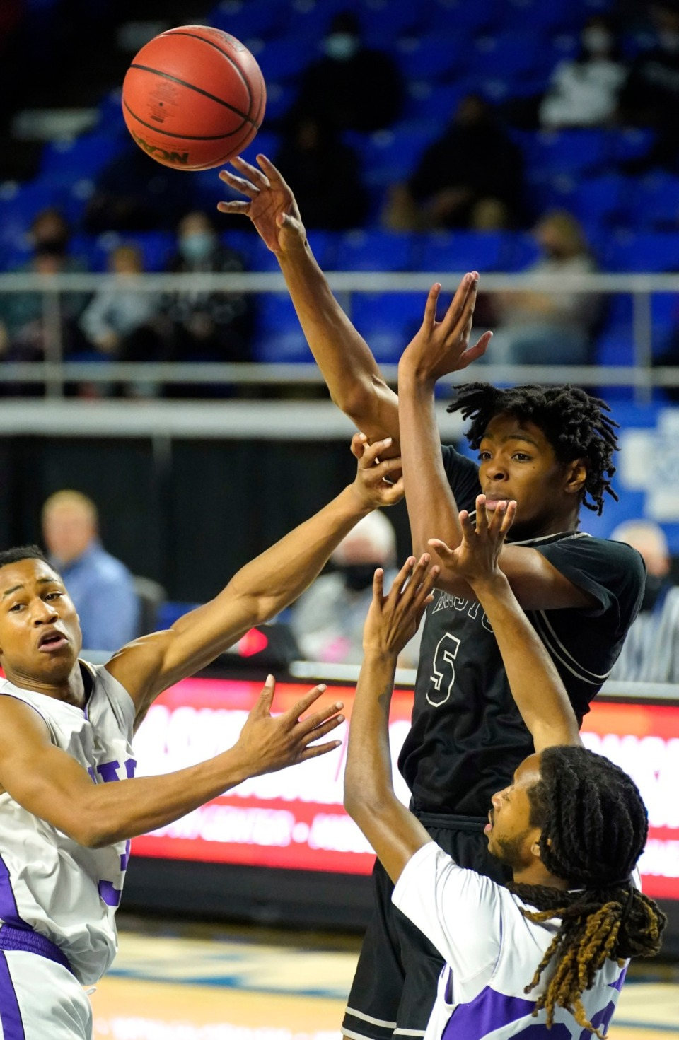 <strong>Houston&rsquo;s Jonathan Lawson (5) passes as Houston plays Clarksville&nbsp;at the Division I Class AAA quarterfinal game on March 18 in Murfreesboro, Tennessee.</strong> (Larry McCormack/Special to The Daily Memphian)