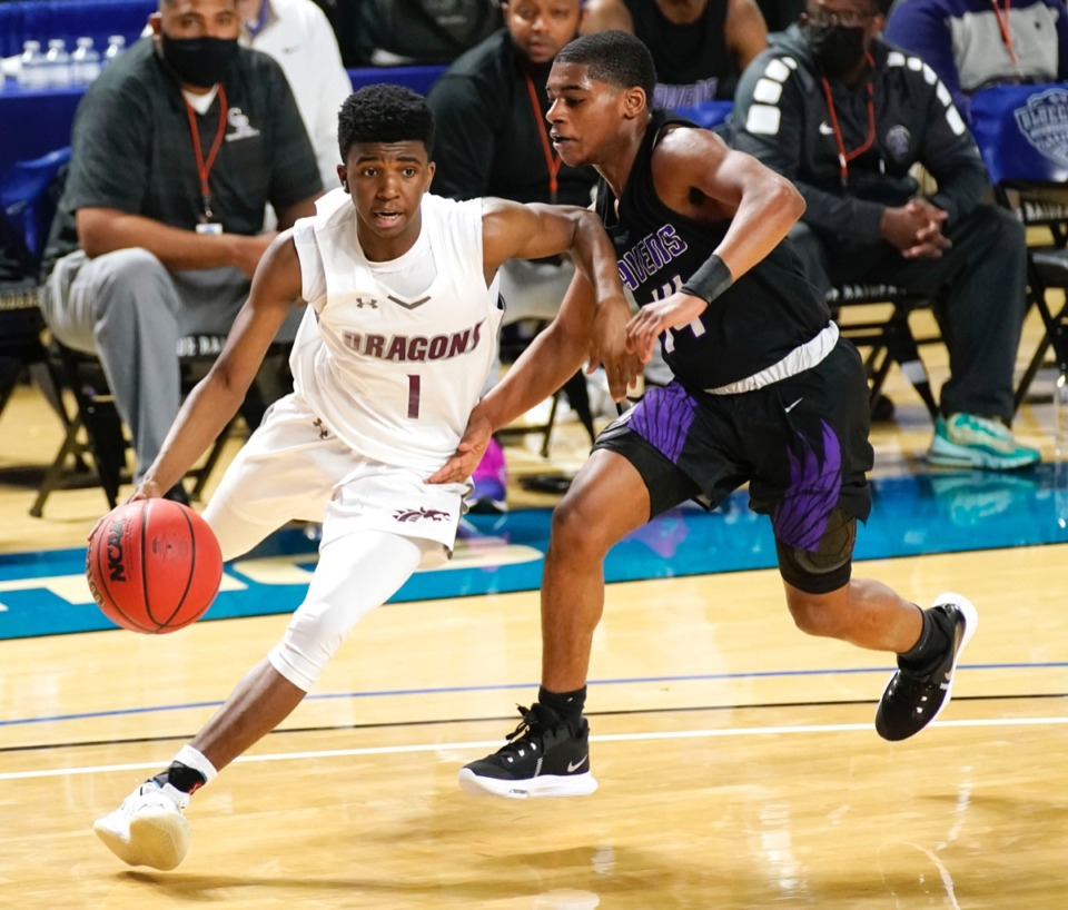 <strong>Collierville guard Terrian McNeal (1) moves the ball downcourt as Collierville plays Cane Ridge</strong>&nbsp;<strong>on March 19 in Murfreesboro, Tennessee.</strong> (Courtesy Larry McCormack/Special to The Daily Memphian)
