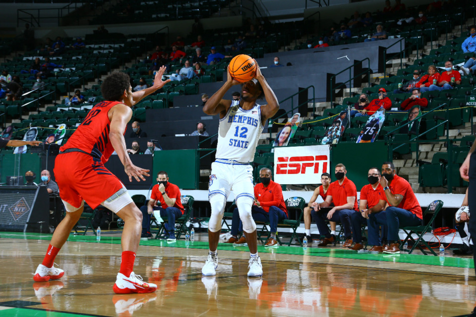<strong>Memphis forward Deandre Williams prepares to take a jump shot during Saturday&rsquo;s first-round NIT game against Dayton in Denton, Texas.</strong> (Photo courtesy of the NCAA)