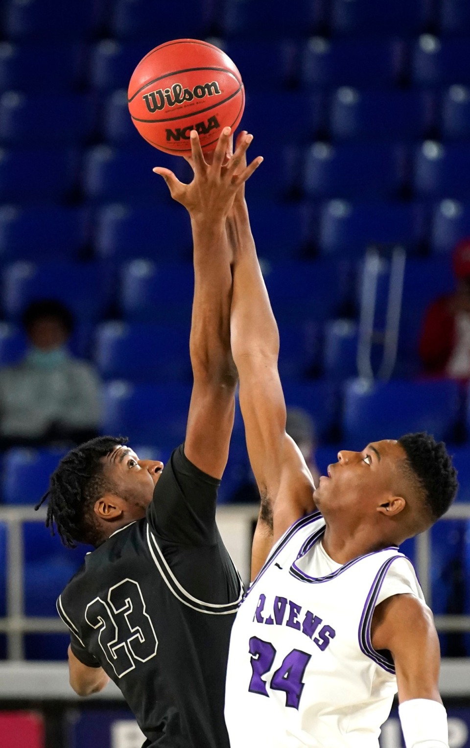 <strong>Houston forward Jerrell Colbert (23) and&nbsp;Cane Ridge&rsquo;s Brandon Miller (24) jump for the ball at the Division I Class AAA championship game Saturday, March 20, in Murfreesboro.</strong> (Larry McCormack/Special to the Daily Memphian)