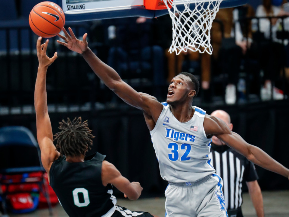 <strong>Memphis center Moussa Cisse (right) tries to block the shot of Mississippi Valley State guard Treylan Smith (left) on Dec. 8, 2020.</strong> (Mark Weber/The Daily Memphian file)