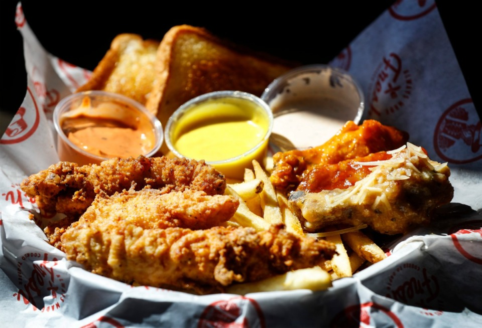 <strong>A plate of chicken tenders and wings is available at the new Slim Chickens restaurant in Collierville.</strong> (Mark Weber/The Daily Memphian)