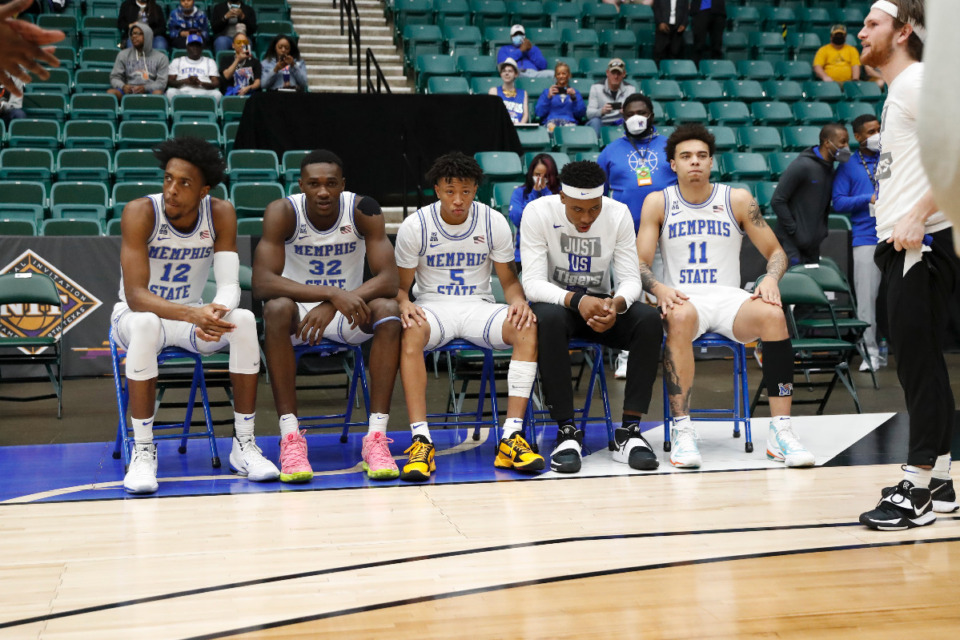<strong>The Memphis starting five prepare to be introduced before Sunday&rsquo;s NIT championship game against Mississippi State in Frisco, Texas.</strong> <strong>The Tigers went on to a 77-64 victory over the Bulldogs.</strong> (Photo courtesy of the NCAA)