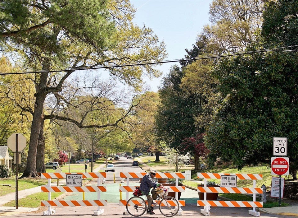 <strong>Mimosa has been temporarily blocked at North Highland for months so that neighbors could create and enjoy a pocket park on the street. Now some residents want the cutoff made permanent.</strong> (Tom Bailey/Daily Memphian)