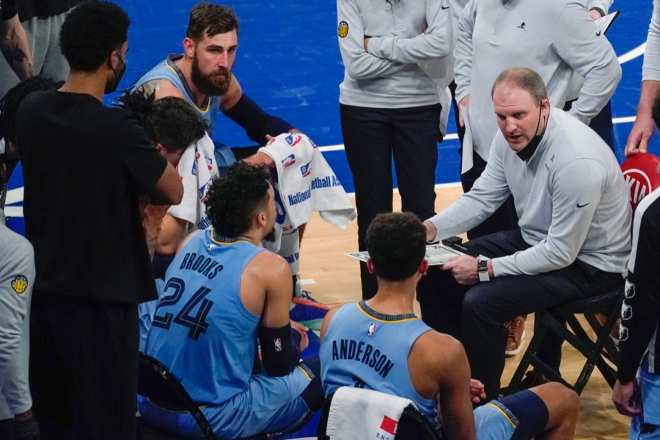 <strong>Grizzlies coach Taylor Jenkins, right, talks to players during a timeout in the game against the New York Knicks, Friday, April 9, 2021, at Madison Square Garden in New York.</strong> (Mary Altaffer/AP pool)