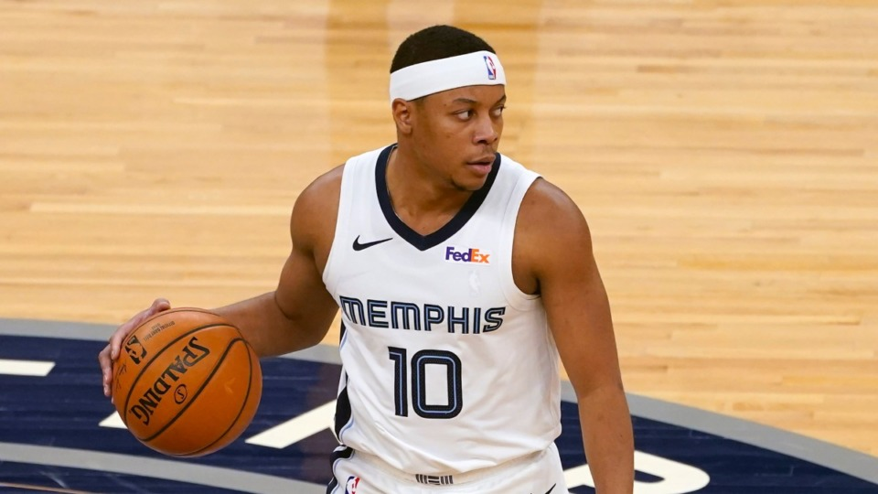 <strong>Tim Frazier (10) wore a Grizzlies uniform playing against the Minnesota Timberwolves in an NBA basketball game, Wednesday, Jan. 13, 2021, in Minneapolis.</strong> (Jim Mone/AP)