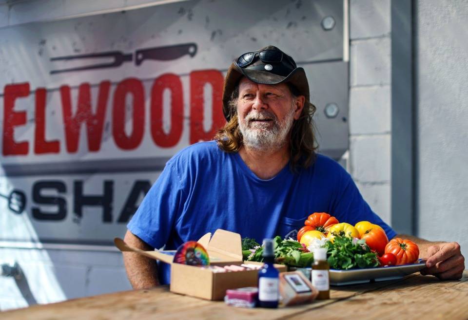<strong>Tim Bednarski, owner of Elwood's Shack, displays fresh produce at his East Memphis restaurant. He will begin operating a farmer's market there April 17.&nbsp;He also has a line of bath and toiletry products he&rsquo;s made and marketing under Elwood&rsquo;s Farm.&nbsp;</strong>(Patrick Lantrip/Daily Memphian)
