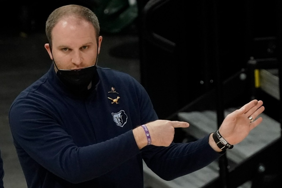 <strong>Memphis Grizzlies head coach Taylor Jenkins signals to his players during the first half of an NBA basketball game against the Milwaukee Bucks Saturday, April 17, 2021, in Milwaukee.</strong> (Morry Gash/AP)