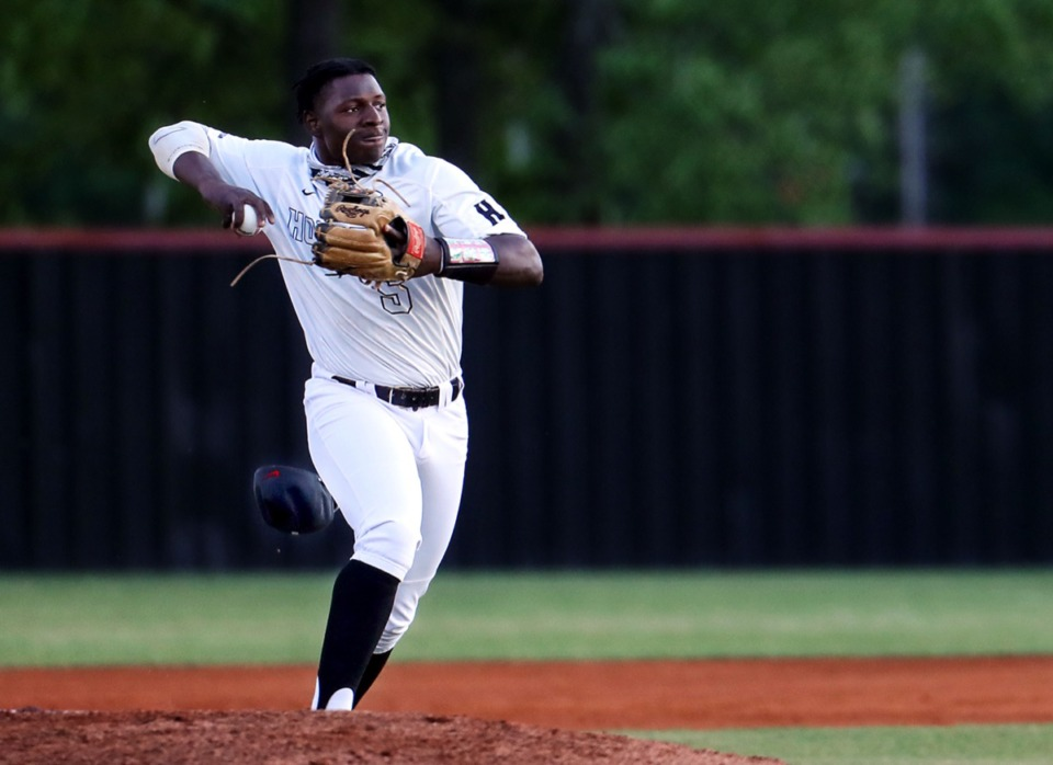 <strong>Houston shortstop Pierre Seals fields the ball during the April 22, 2021, game against MUS.</strong> (Patrick Lantrip/Daily Memphian)