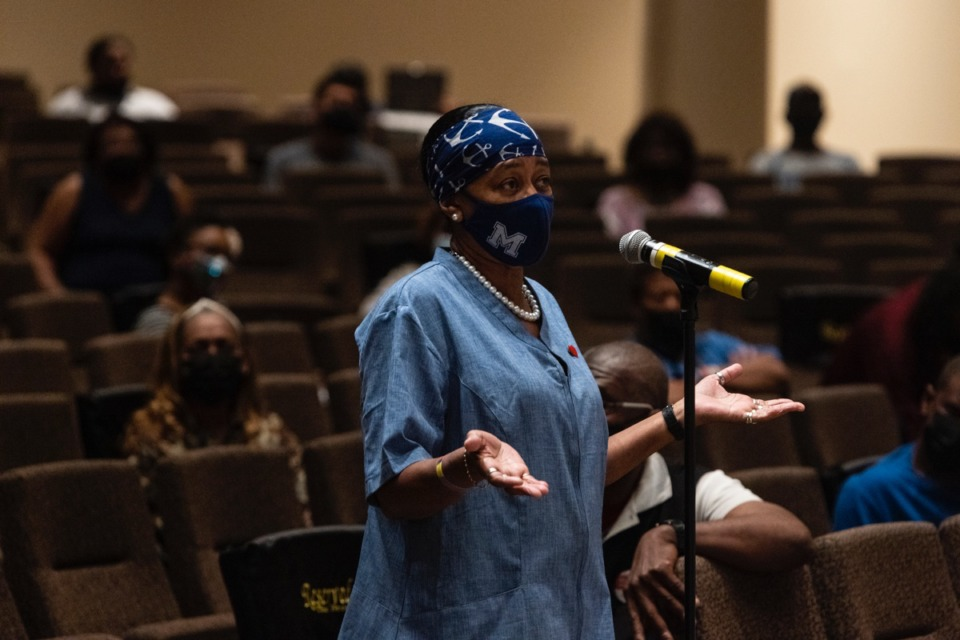 <strong>Felecia Hawkins, a resident of Binghampton, speaks during the April 27 public meeting about the current plan to disconnect Scott Street from Poplar Avenue, while replacing the Poplar bridge.</strong> (Brad Vest/Daily Memphian)