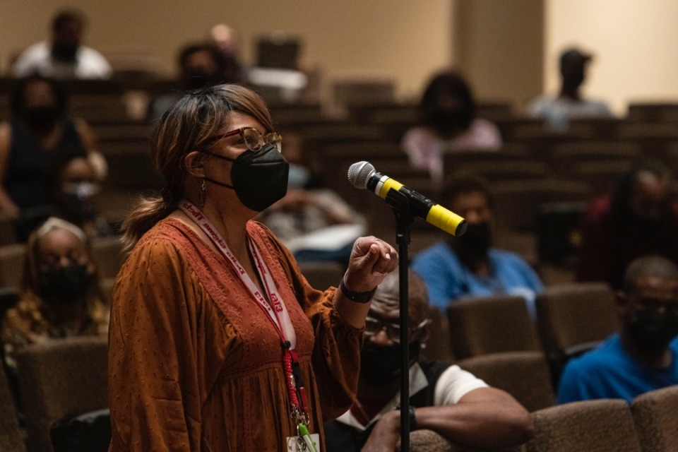 <strong>Jacquelyn Webb, a resident of Binghampton, speaks during the April 27 public meeting about Scott Street. &ldquo;It&rsquo;s a lifeline,&rdquo; Webb said about the connection to the Poplar Avenue bridge.</strong> (Brad Vest/Daily Memphian