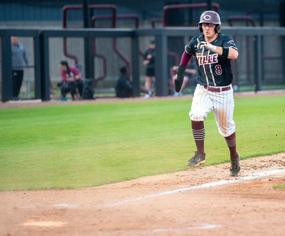 <strong>Collierville's Seth Brown scores in the 4th inning in Friday's game against ECS.</strong> (Greg Campbell/Special to The Daily Memphian)