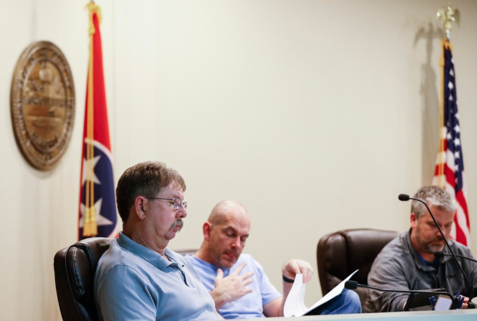 <strong>Alderman (left to right) Larry Harmon, Russell Wiseman and Jeff McKee attend an Arlington Board of Mayor and Aldermen meeting on Monday March. 2, 2020.</strong> (Mark Weber/Daily Memphian file)